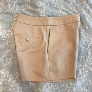 Express, size 8 dress shorts-In Great Condition